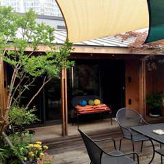 대전 하기동 단독주택: 비온후풍경 ㅣ J2H Architects의  정원
