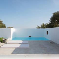 mediterraan Zwembad door atelier Rua - Arquitectos