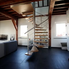 EeStairs® Spiltrappen:  Gang en hal door EeStairs | Stairs and balustrades