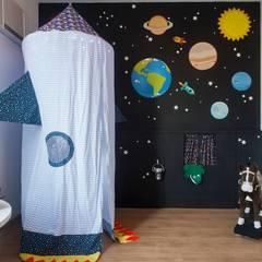 Brinquedoteca Espacial: Quarto infantil  por Nina Moraes Design Infantil