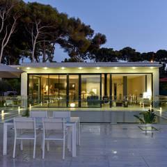 Villa GP: Maisons de style  par frederique Legon Pyra architecte