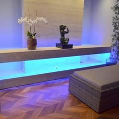Hall de Entrada: Hotéis  por Brasilis Pietra Mármores e Granitos
