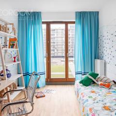 Nursery/kid's room by Decoroom,