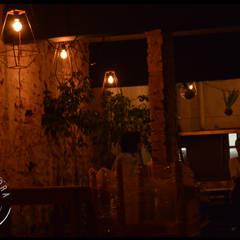 Bar Rondamora: Bares y Clubs de estilo  por PSV Arquitectura y Diseño