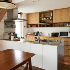 Modern style kitchen by 藤森大作建築設計事務所 Modern