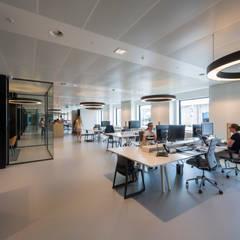Office buildings by RoosRos Architecten, Modern