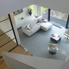 WOONHUIS ROTTERDAM:  Woonkamer door Maas Architecten