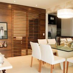 Comedores de estilo  por Sandro Kawamura Designer de Interiores