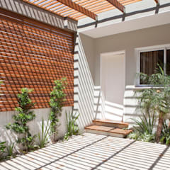 REFORMA SOBRADINHO SANTO IRINEU:   por SET Arquitetura e Construções,
