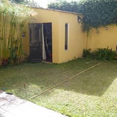 Jardín exsistente: Piletas de estilo  por CC|arquitectos