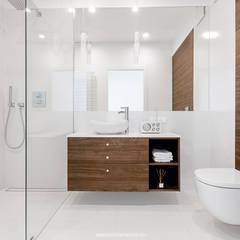 Bathroom by Patryk Kowalski Architektura i projektowanie wnętrz,