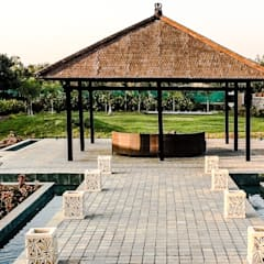 G HOUSE:  Garden by Studio A