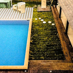 G HOUSE:  Pool by Studio A