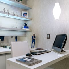 Study/office by Nilda Merici Interior Design