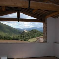 Veranda: Terrazza in stile  di studio ARTE   ARCHITETTURA