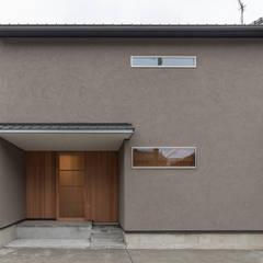 خانه ها توسط家山真建築研究室 Makoto Ieyama Architect Office, مینیمالیستیک