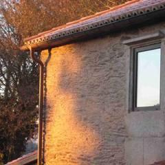 Hueco tipo restaurado: Ventanas de estilo  de MIGUEL VARELA DE UGARTE, ARQUITECTO