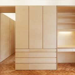 Dressing room by atelier Rua - Arquitectos