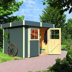 Garajes de estilo clásico por Gartenhaus2000 GmbH