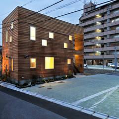 木造2階建 オフィス: 株式会社 ハウゼ・クリエイトが手掛けたオフィススペース&店です。