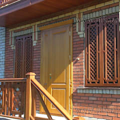 Интерьер и экстерьер частного дома:  Коридор by Ника-Фаворит,