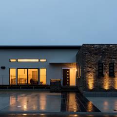 Scandinavian style houses by 株式会社 鳴尾工務店 Scandinavian Bricks