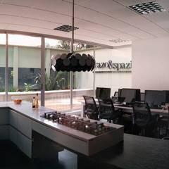 Cocinas: Cocinas de estilo clásico por Trazo & Spazio