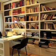 CAPITAL V:  Study/office by Radrizzani Rioja Arquitectos