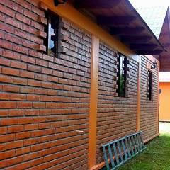 CABAÑA EN ATOTONILCO EL GRANDE HGO : Ventanas de estilo  por OMR ARQUITECTURA & DISEÑO DE INTERIORES