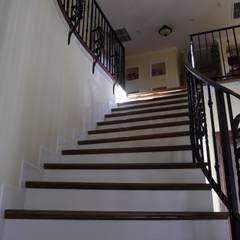 TA house | SANKAIDO: SANKAIDO | 株式会社 参會堂が手掛けた廊下 & 玄関です。