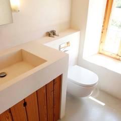 Son Manxo: Baños de estilo  de beppoarquitectura