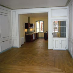 rénovation d'un immeuble ancien à Strasbourg: Bureaux de style  par ADD