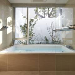 Modern bathroom by Mアーキテクツ|高級邸宅 豪邸 注文住宅 別荘建築 LUXURY HOUSES | M-architects Modern
