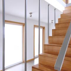 La casa de Sara y Fran: Salas multimedia de estilo  de Estudio de Arquitectura Sra.Farnsworth