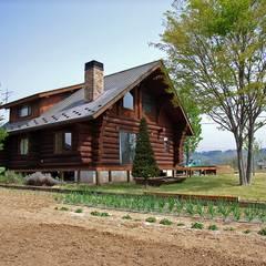 南アルプスの丸太小屋: Cottage Style / コテージスタイルが手掛けた家です。,カントリー