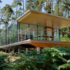 Résidence Lennox: Cliniques de style  par artau architectures