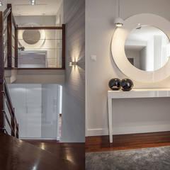 METAMORFOZY II: styl , w kategorii Ściany zaprojektowany przez HOLADOM Ewa Korolczuk Studio Architektury i Wnętrz