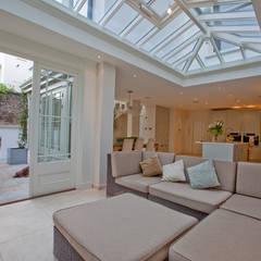 Suburban Orangery : minimalistic Conservatory by Westbury Garden Rooms