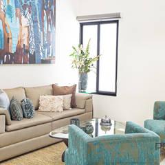 """Proyecto Residencial """"Casa AG02"""": Salas de estilo ecléctico por PORTO Arquitectura + Diseño de Interiores"""