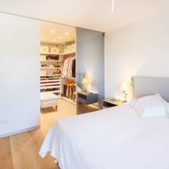 Bedroom by Tarimas de Autor, Colonial Wood Wood effect