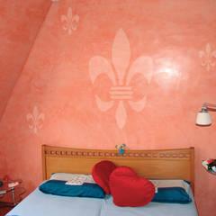 Wandschablone französische Lilie:  Wände von ab-design GmbH