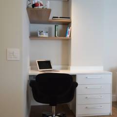 Study/office by Fabiana Rosello Arquitetura e Interiores, Modern