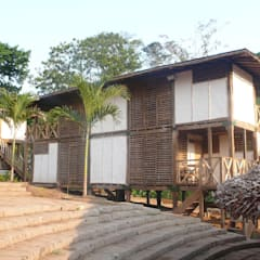 Pueblo Autosuficiente: Casas de estilo  de ABCDEstudio
