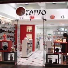 Loja Taiyo: Lojas e imóveis comerciais  por Dunder Koch Arquitetura