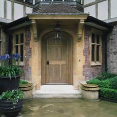 External Oak Door:  Windows  by Stuart Interiors