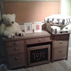 Caetano: Dormitorios infantiles  de estilo  por Carolina biercamp,
