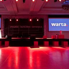 Recepcja i scena. Kongres najlepszych agentów WARTA: styl , w kategorii Miejsca na imprezy zaprojektowany przez Denika