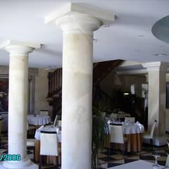 GROUND FLOOR SALON: Locales gastronómicos de estilo  de diseño y construcción acima,s.l.