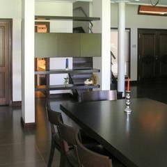 GRECO HOUSE: Cocinas de estilo rural por Carbone Fernandez Arquitectos