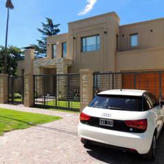 GRECO II HOUSE: Casas de estilo  por Carbone Fernandez Arquitectos